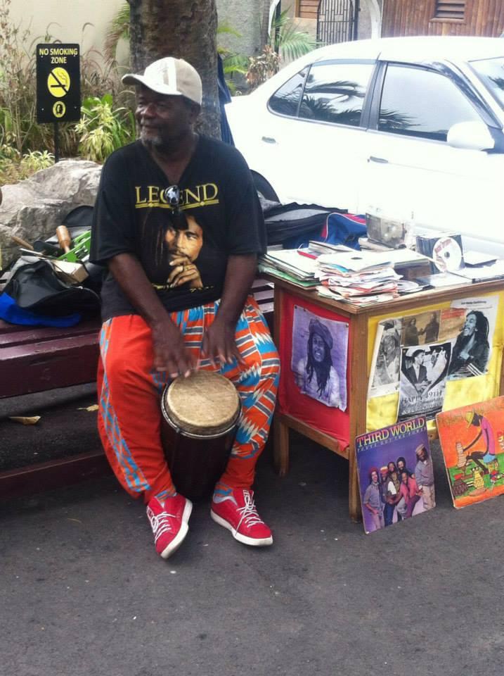 Bongo fazendo um som